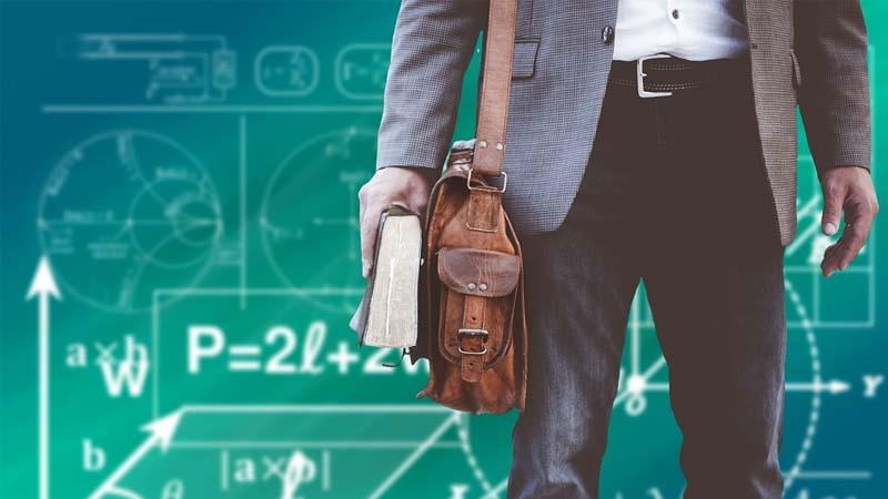 cuánto cobra un profesor