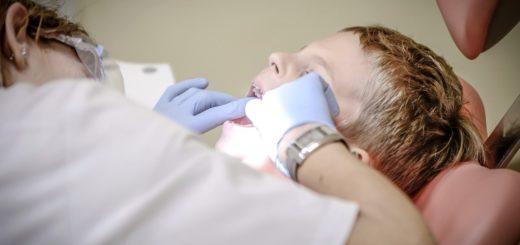 cuánto cobra un dentista